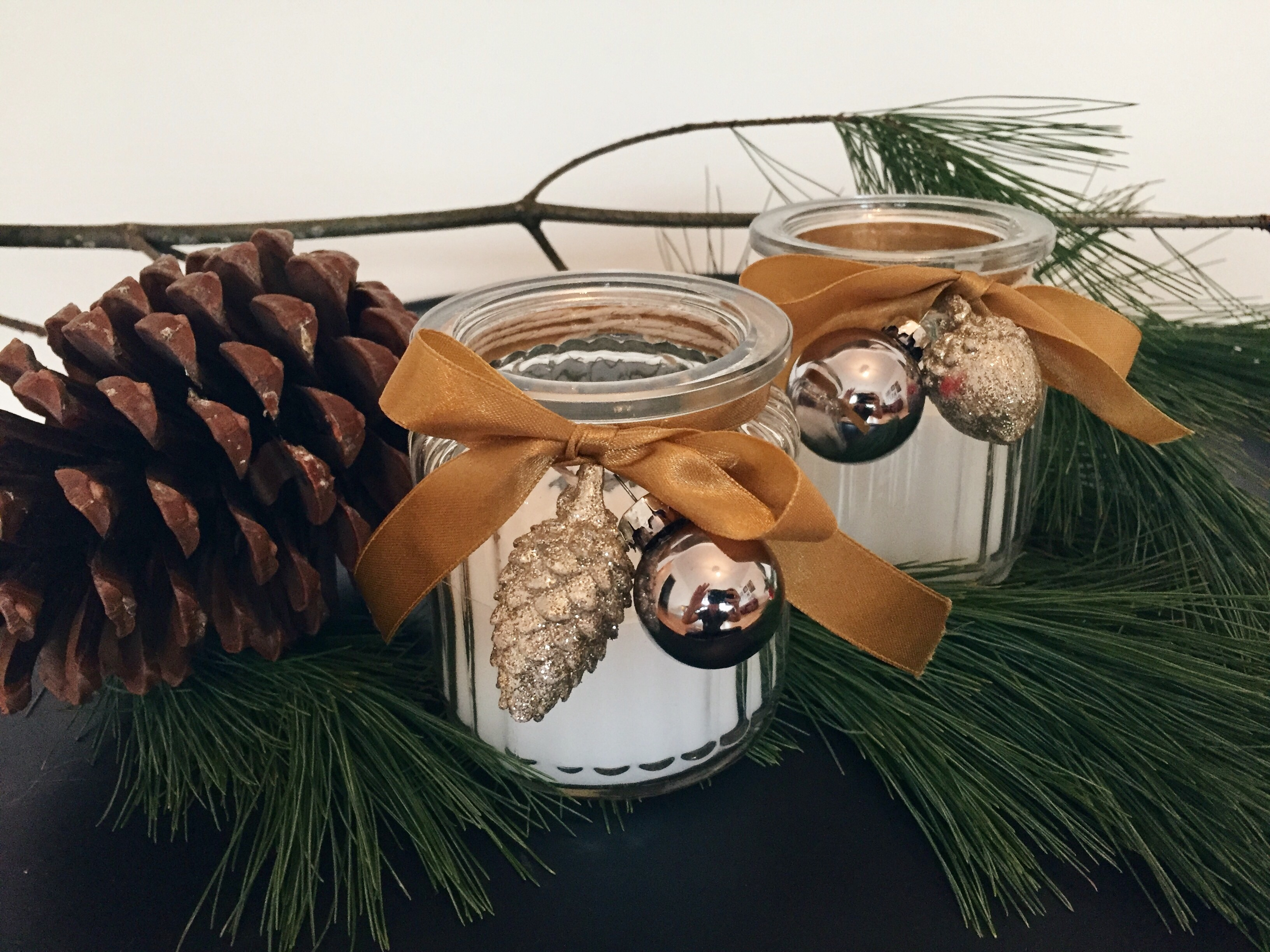 Merry Christmas: DIY Special Duftkerzen